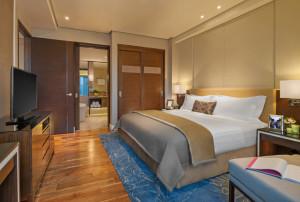 full-ascott-bonifacio-global-city-manila-1bedroom-exec-bedroom